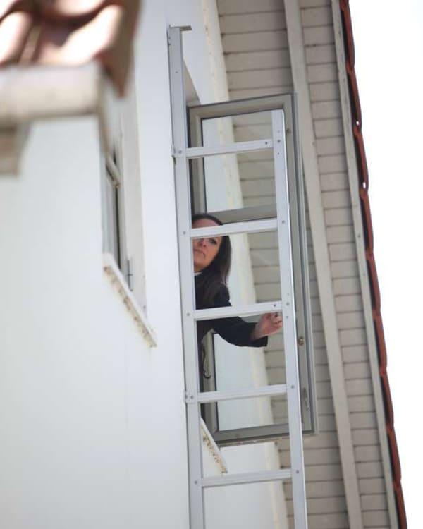 Fluchtleiter zur Evakuierung ausklappen